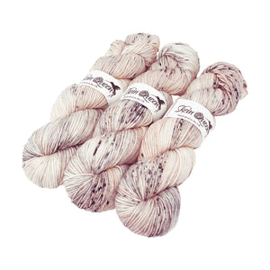 Skein Queen - Crush DK - 100g - Financial Times