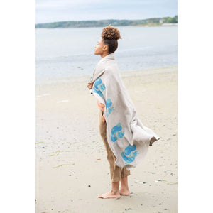 Making Magazine - No 9 - Simple woman on beach | Yarn Worx