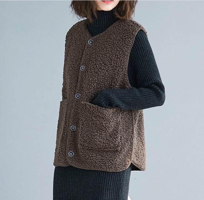 Women Fleece Sherpa Fuzzy Warm Lightweight Sleeveless Button Down Vest Jacket with Pockets