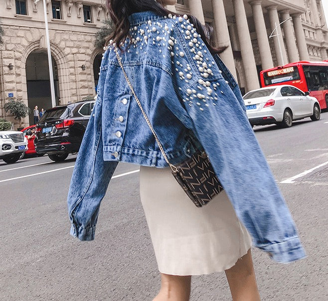 Loose Women's Denim Jackets Blue Long Sleeve Jean Coat with Pearl Decoration