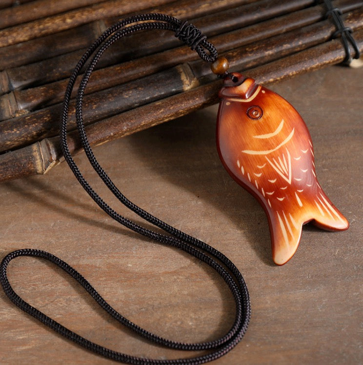 Handmade Big Wood Pendant Vintage Long Necklace for Women Jewelry