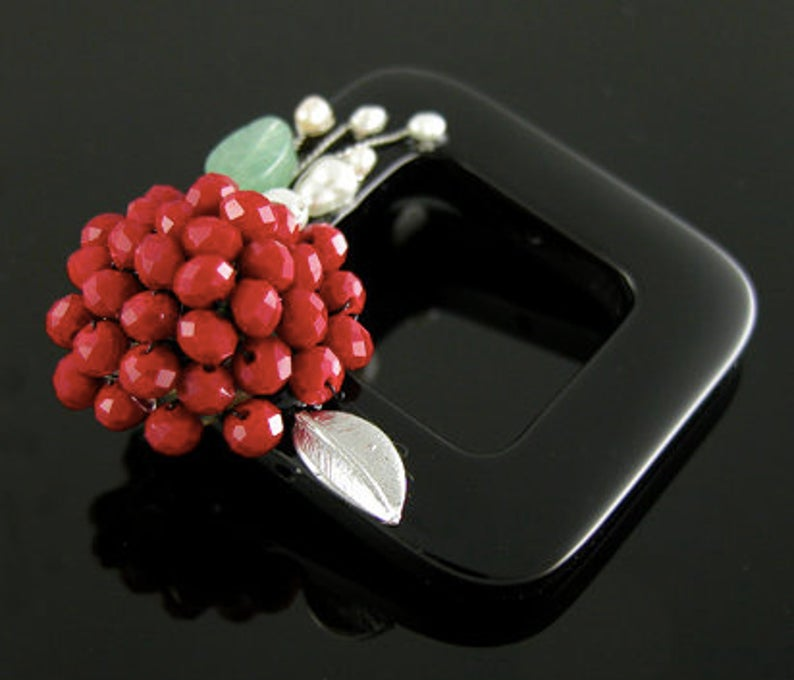 New Fashion Handmade Jewelry Women Floral Brooch Natural Onyx Crystal Pearl and Jade Great Gift for Her