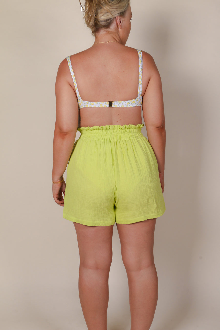 STAPLE RESORT SHORT LIME