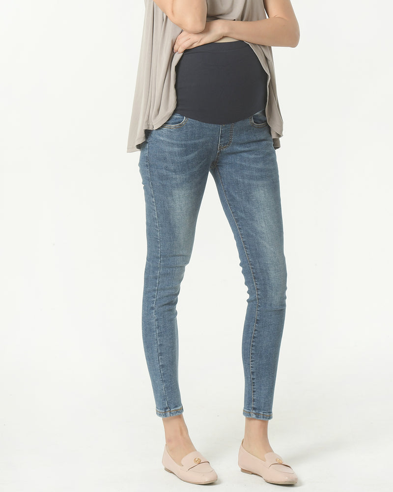 AWESOME CROPPED DENIM JEANS