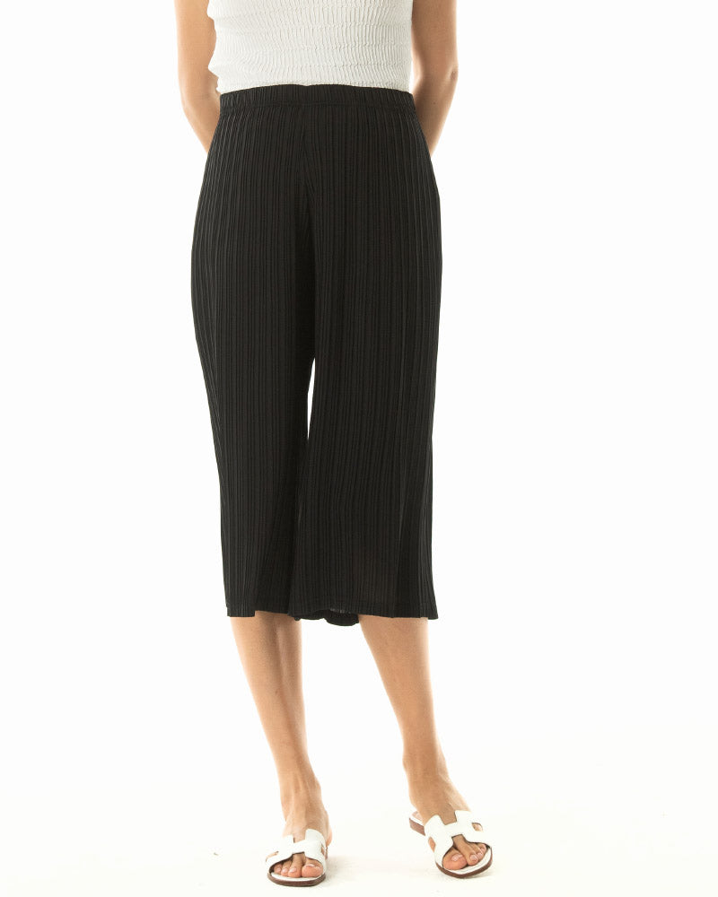 PLEATED WIDE SHORT PANTS