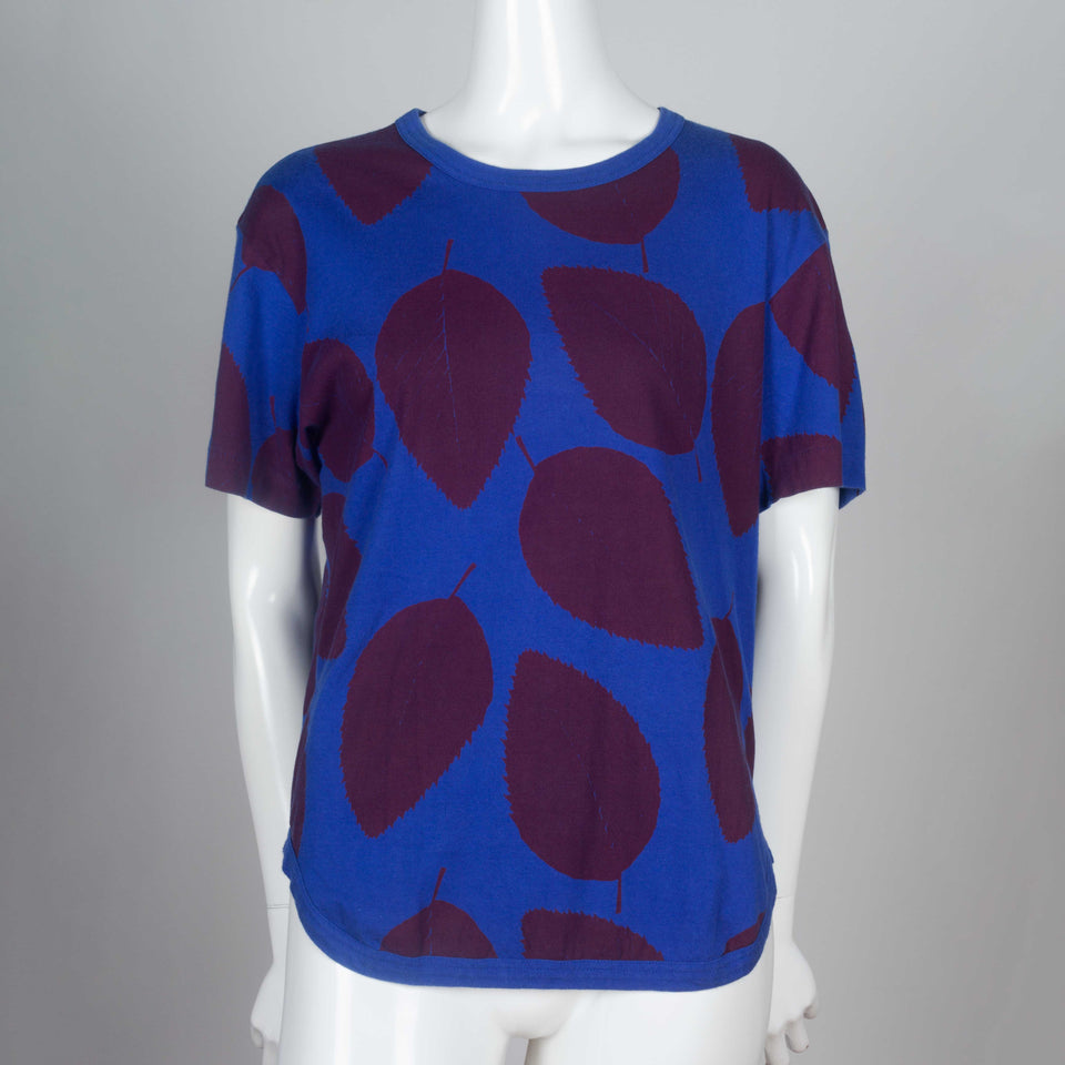 Comme des Garçons Homme Plus, blue cotton tee with burgundy screen-printed leaves.