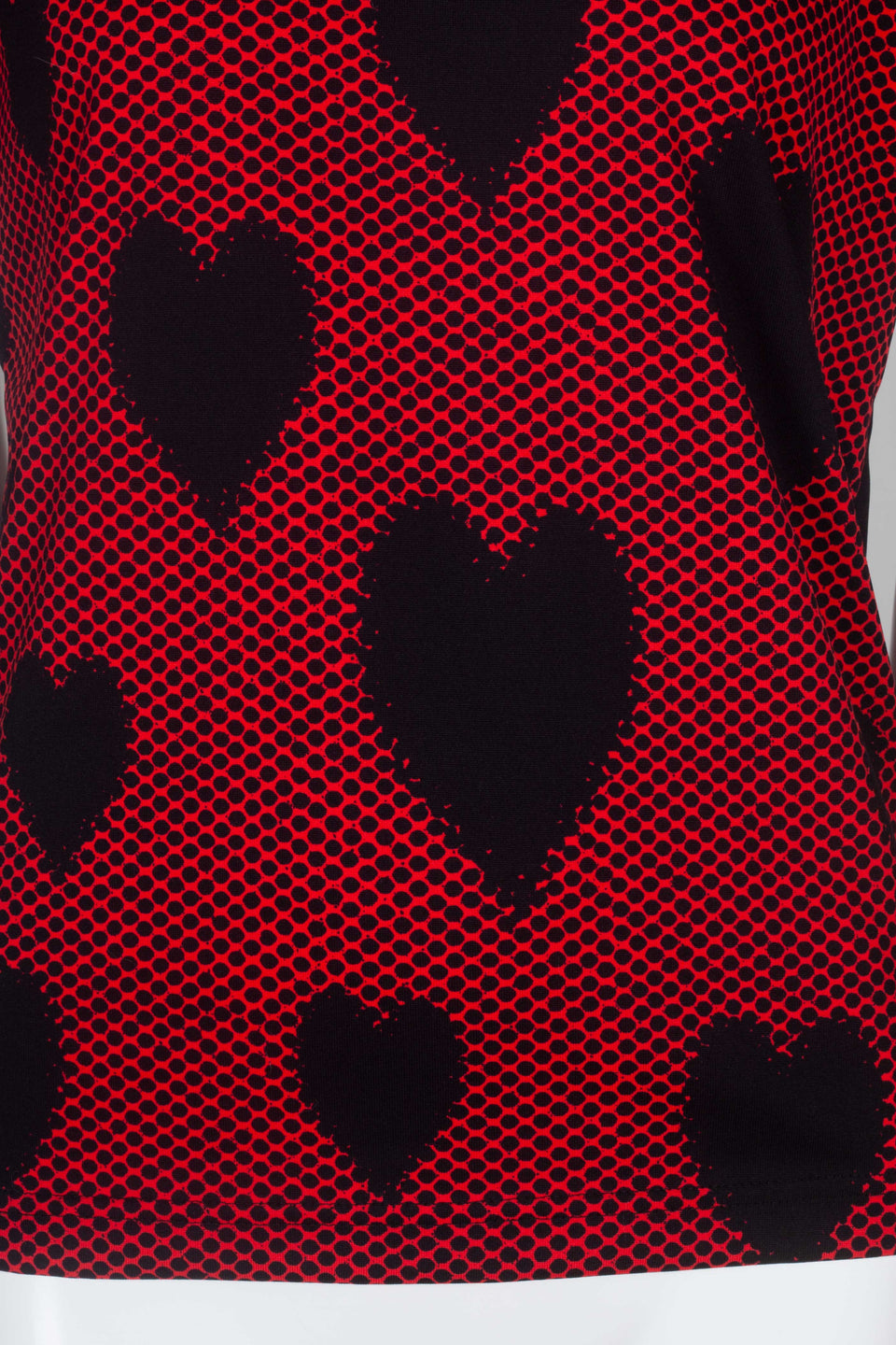From Comme des Garçons 2008 vintage archive. A rock mood on this red, short sleeve tee with black dots and hearts.