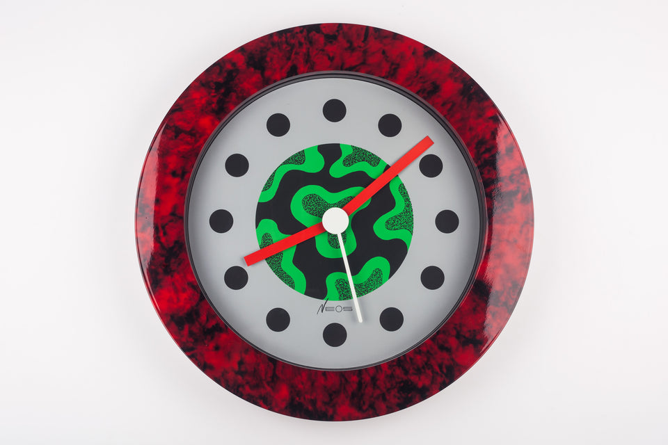 Wall Clock with red marble pattern by George Sowden and Nathalie du Pasquier, Neos by Lorenz, 1980s Italy.
