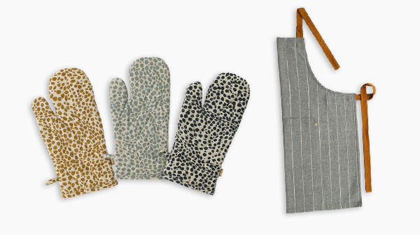 New Origin Shop Mother's Day Guide 2021 - Oven Mitts and Apron