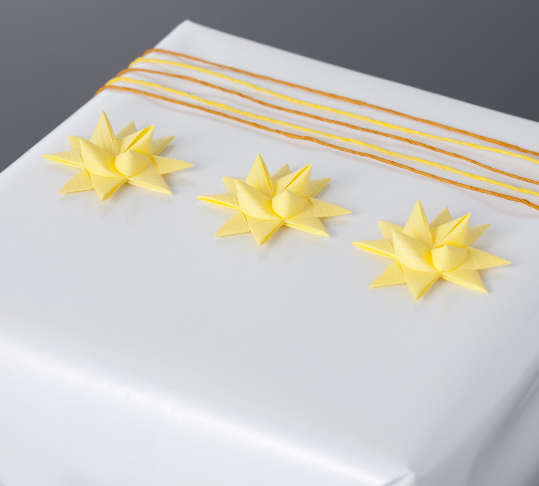Pastel yellow half star with tape S - 12 pcs