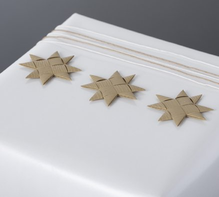 Beige flat star with tape S - 12 pcs