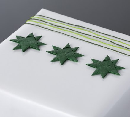 Green flat star with tape S - 12 pcs
