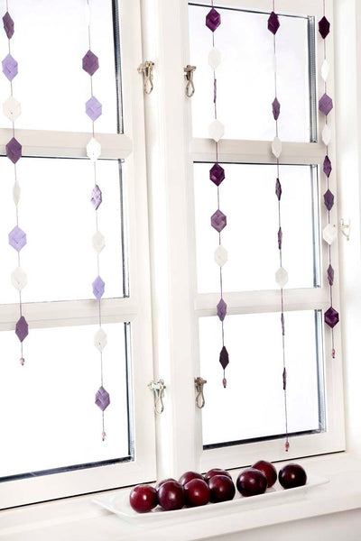 White & Plum prims garland no 2