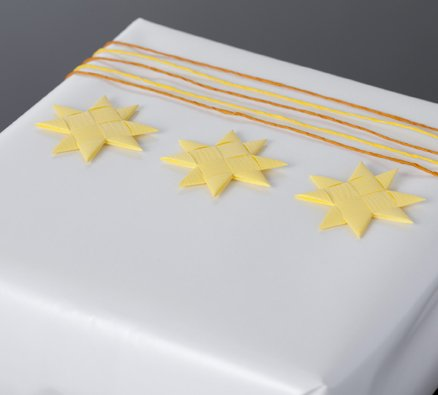Soft yellow flat star with tape S - 12 pcs