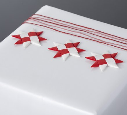 Red & White flat star with tape S - 12 pcs
