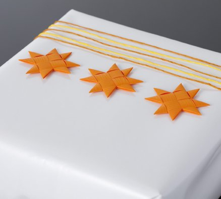 Orange flat star with tape S - 12 pcs