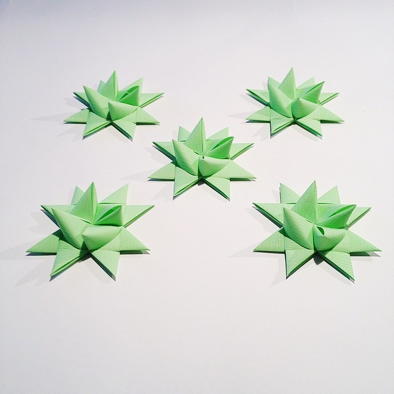 Pistachio half star with tape M - 5 pcs