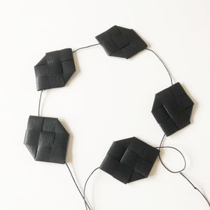 Black prism garland M - Easter decoration