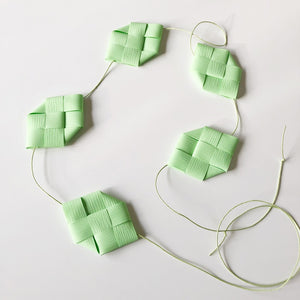 Soft green prism garland M - Easter decoration