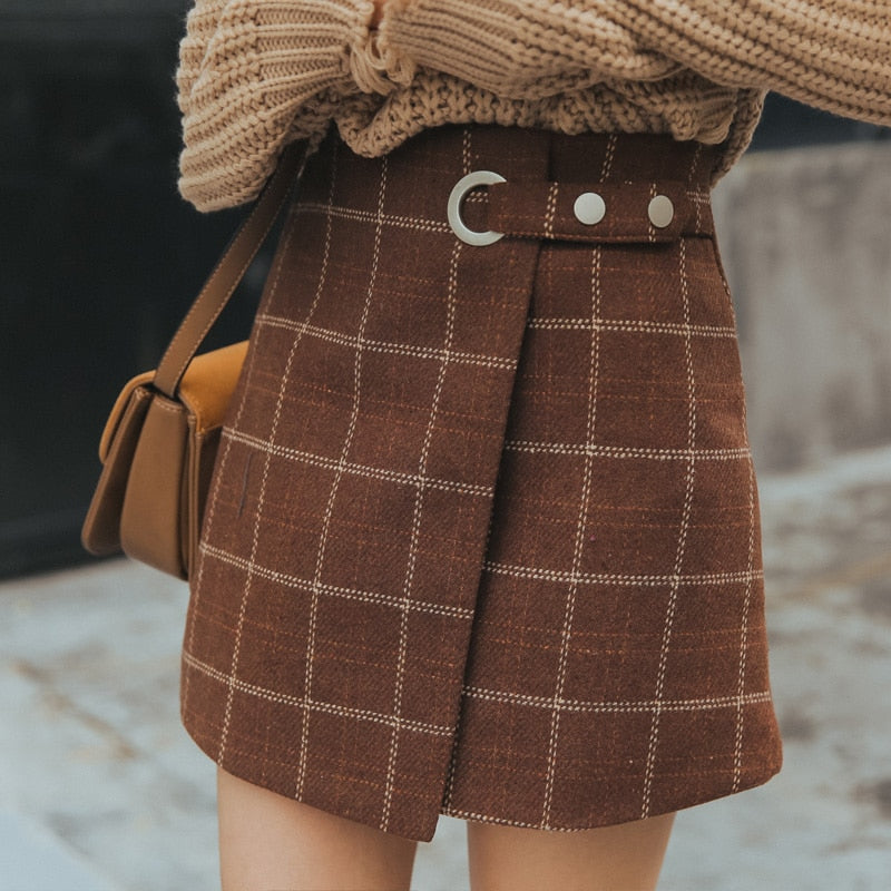 Woolen Plaid Retro Skirt in Caramel