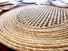 Load image into Gallery viewer, Iraca Palm Woven Placemats with Coasters
