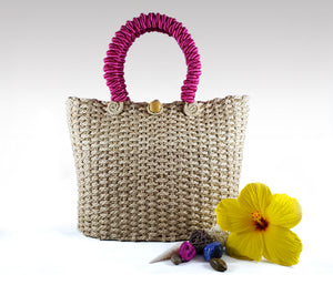 Clásica - Iraca Palm Authentic Handmade Handbag with pink handle