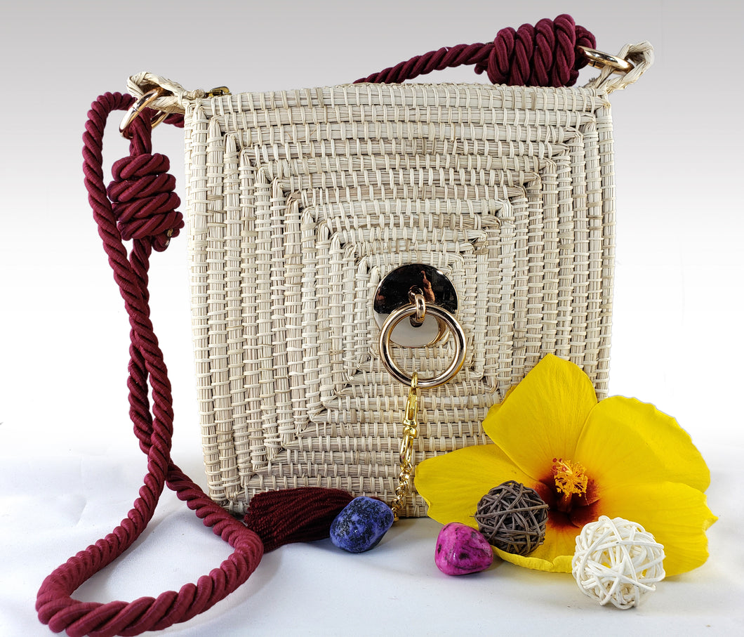 Dora - Iraca Palm Authentic Handmade Square Handbag with Gold Ring Accent