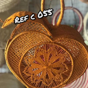 Corazon - Heart Shaped Iraca Palm Bag