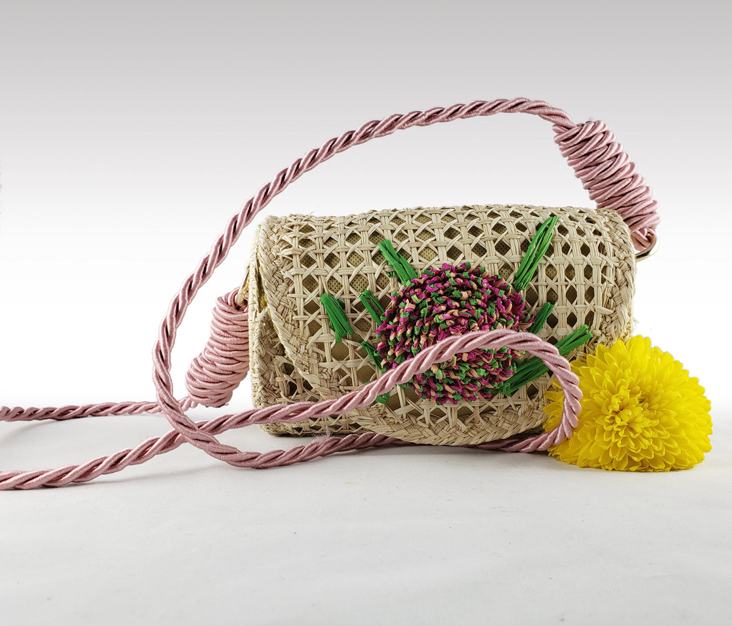 Masiel - Iraca Palm Authentic Handmade Handbag with Flower Accent and Rope Handle Wholesale