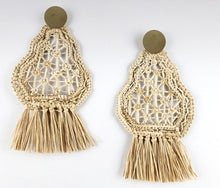 Load image into Gallery viewer, Miriam - Iraca Palm Leaf Handwoven Earrings