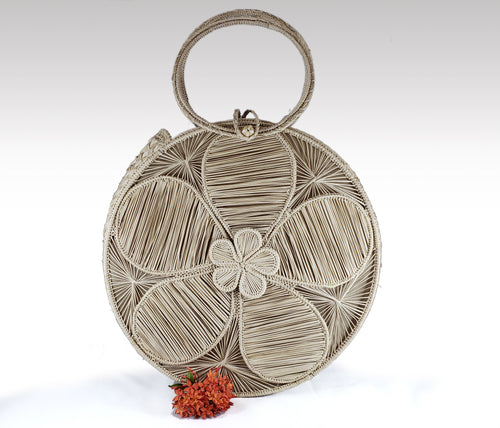 Natasha -  Iraca Palm Handmade Bag with zippered closure