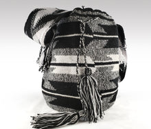 Load image into Gallery viewer, Patricia - Wayuu Authentic Mochila Bag