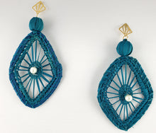 Load image into Gallery viewer, Sandra - Iraca Palm Leaf Handwoven Earrings Wholesale