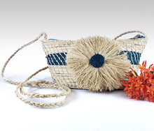 Load image into Gallery viewer, Agustina -  Iraca Palm Handmade Bag