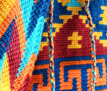Load image into Gallery viewer, Daila - Wayuu Authentic Mochila Bag