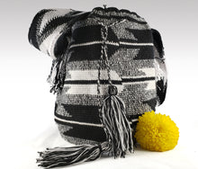 Load image into Gallery viewer, Patricia - Wayuu Authentic Mochila Bag Wholesale