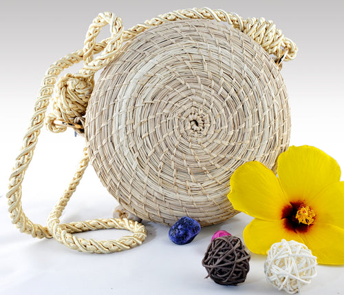 Yolanda - Iraca Palm Authentic Handmade Round Handbag
