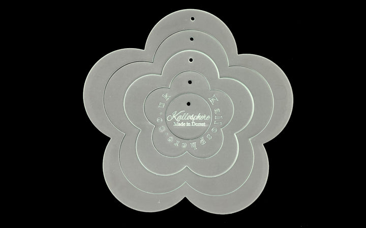 A SET OF ACRYLIC FLOWER SEWING CRAFT TEMPLATES - five petals