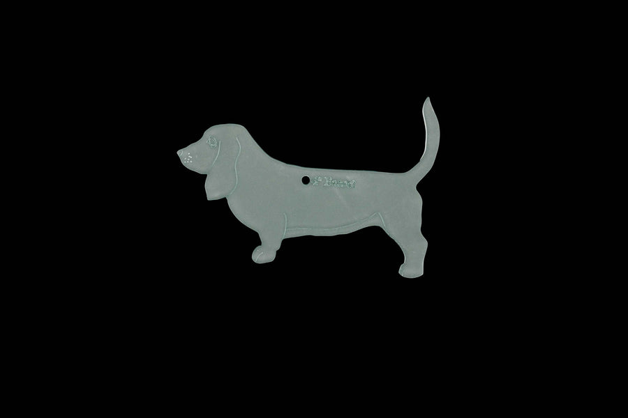 A BASSET HOUND ACRYLIC SEWING/CRAFT TEMPLATE