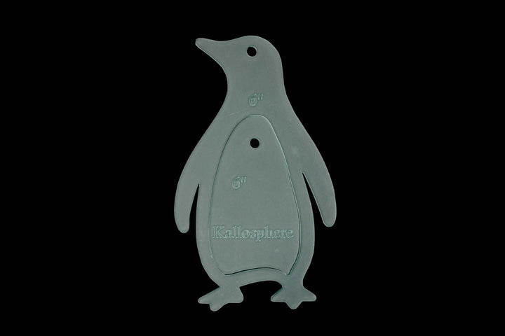 AN ACRYLIC PENGUIN SEWING/CRAFT TEMPLATE