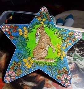 HARE GAZING AT THE MOON - 7CM X 12CM