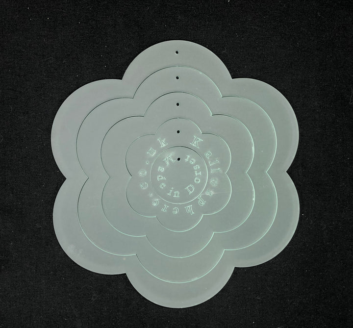 A SET OF ACRYLIC FLOWER SEWING CRAFT TEMPLATES - six petals