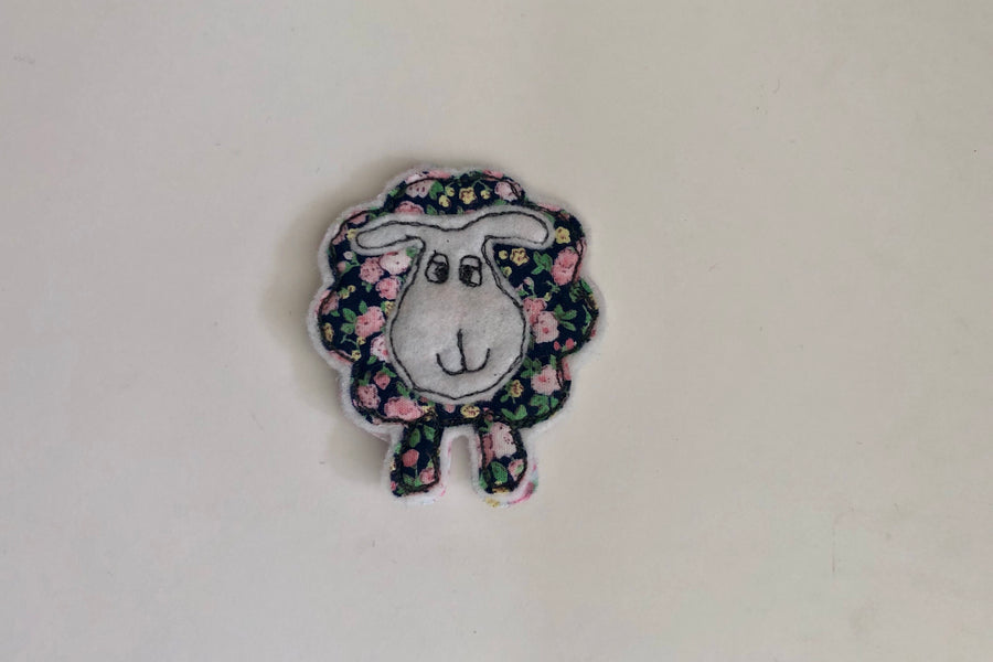 ACRYLIC SHEEP SEWING AND CRAFT TEMPLATE