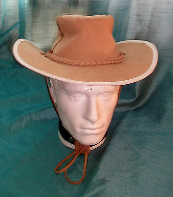VINTAGE UNISEX Grade A beige  long brim bush/safari hat.19
