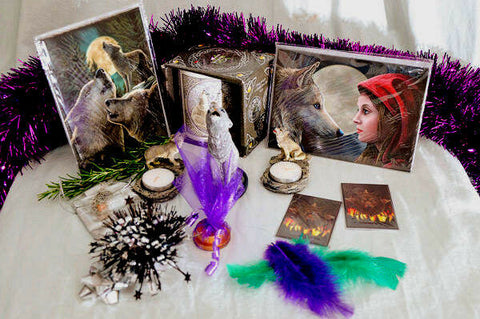 XMAS/PAGAN/WICCA GIFT SET-WOLF THEME-gift-wrapped- cards,wolf mug, burner,candle