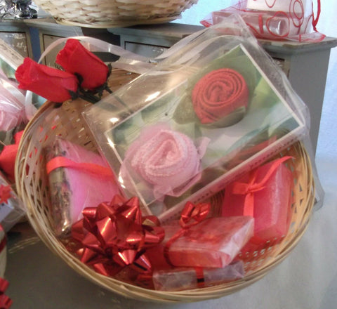valentines day/mothers day HAND-MADE SOAP-pink Rosebasket 3 gIFT SETS.perfect