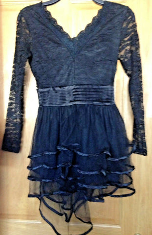 gorgous lace/tiered skirt Black Lace Goth Emo Party Dress size 8