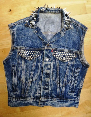 LEVIS ladies vintage customised sleeveless denim jacket spike stud UK 8 10 12