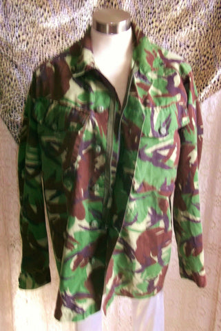 army surplus. camouflage shirt.long sleeves.zip&button front 46