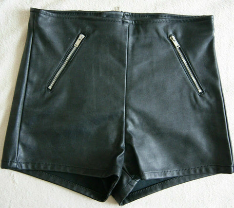 funky PUNKY/ROCK CHIC/FESTI H&M Divided black faux leather shorts/hotpants S 8